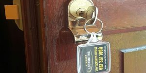 emergency locksmith dublin new key in repaired lock